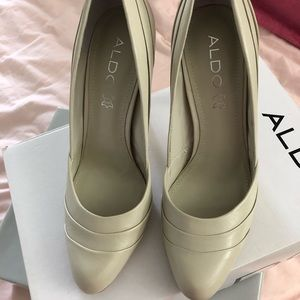 🎉 Aldo Cream Pumps size 8